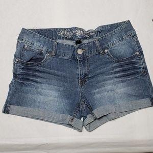 Women's express Jean shorts size 8
